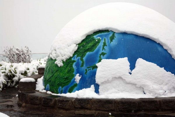 Snow Covers the World