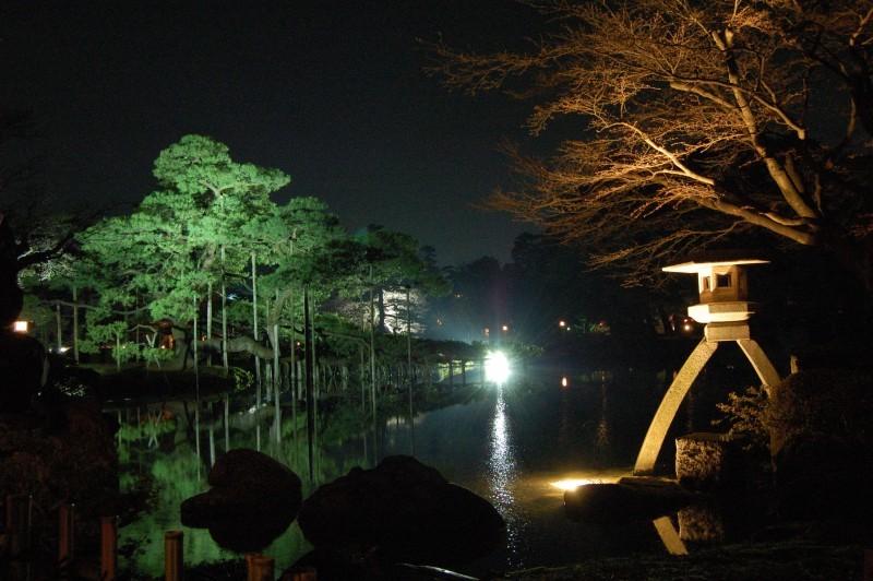 Spring Light Up at Kenrokuen Kanazawa