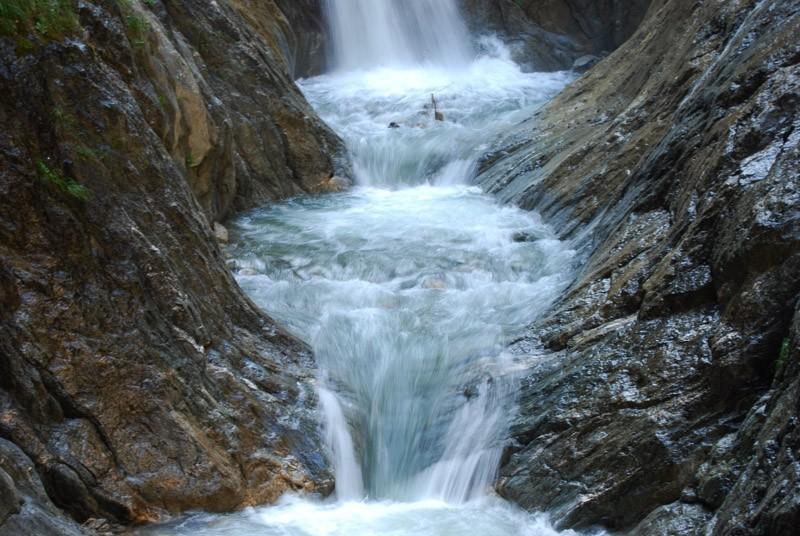 cascade, switzerland