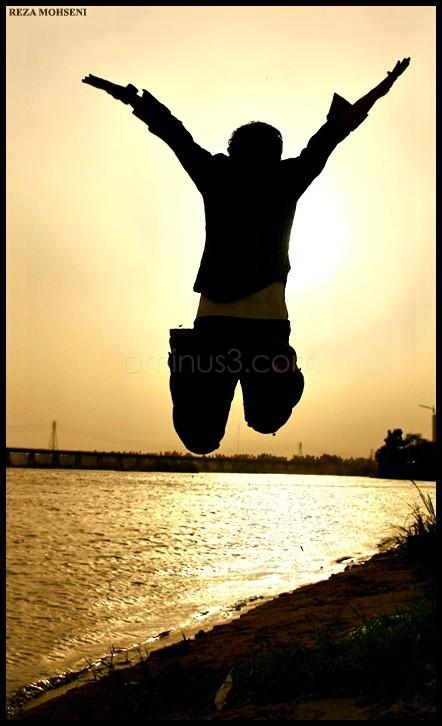 FREEDOM    ماییم و کهنه دلقی کتش در آن توان زد