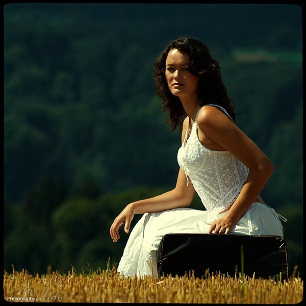 summer outdoor country retro romantic