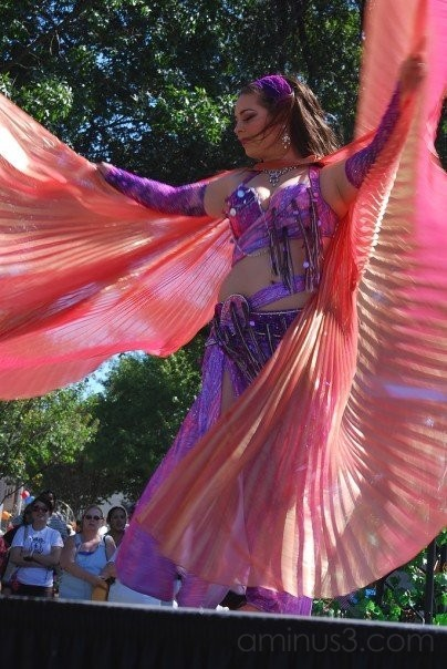Plano International Fest: Belly Dancer