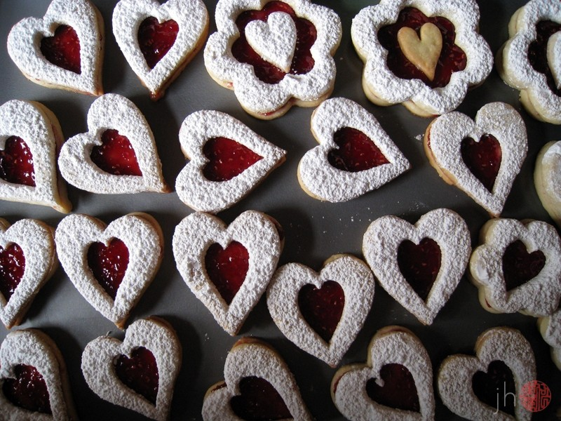linzer step iv: eat
