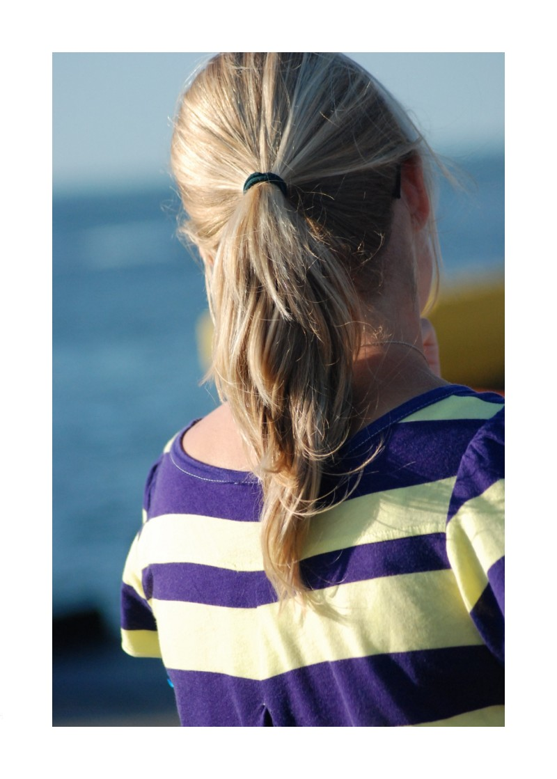 Striped ponytail