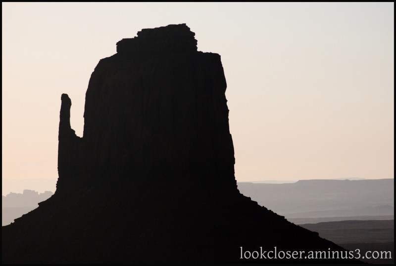 Monument-Valley UT Navajo West Sunrise
