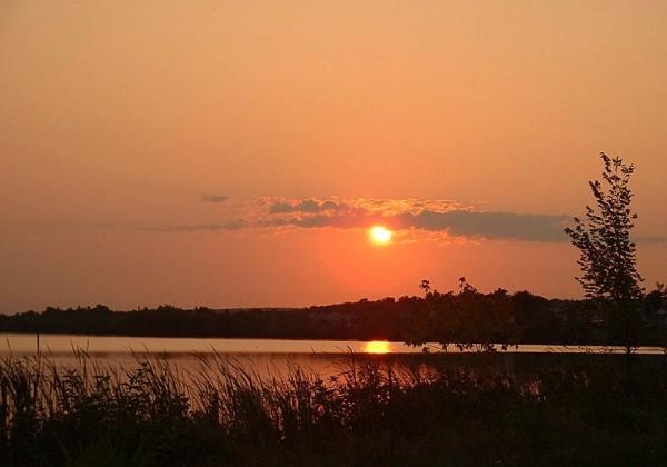 lever de soleil sur le lac boivin