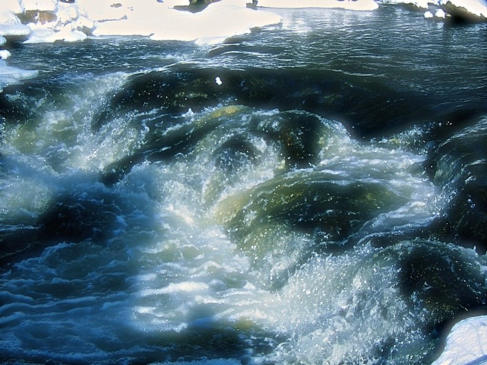 rivière en lumière - stream with light