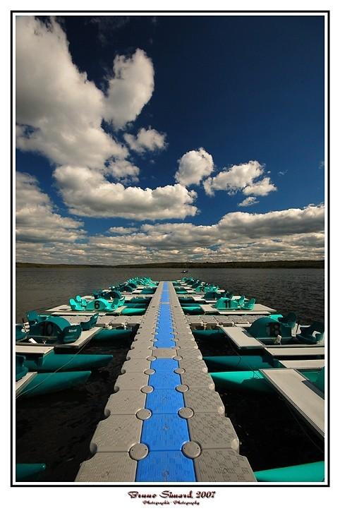 quai futuriste - futuristic dock