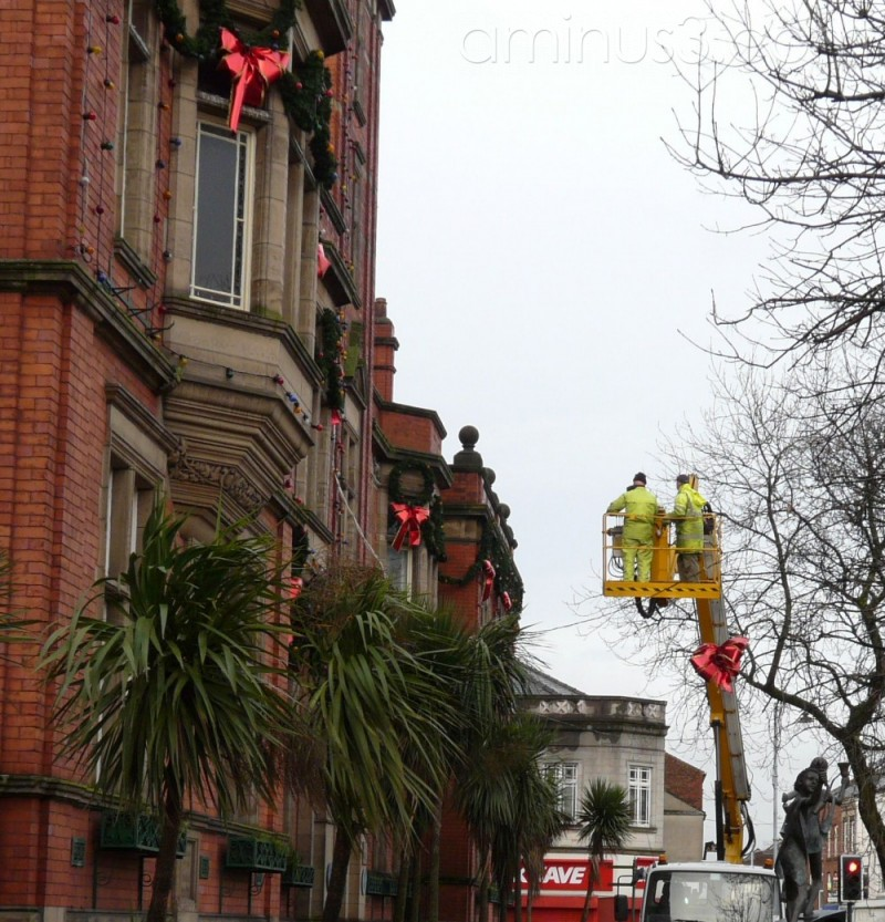 Taking down the Christmas decoration at Hyde TH