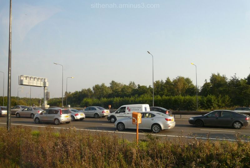 Queues on M62 in Cheshire