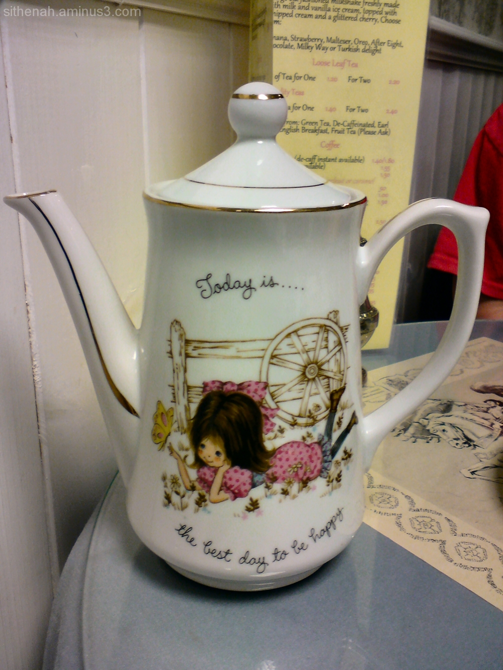 Teapot at Lady Lavender's, Hyde