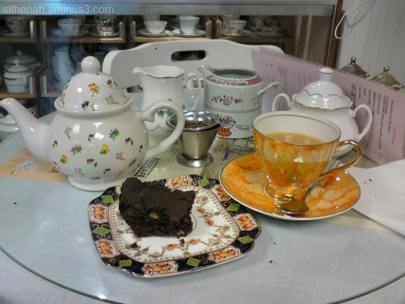 Tea & Chocolate Brownie at Lady Lavender's in Hyde