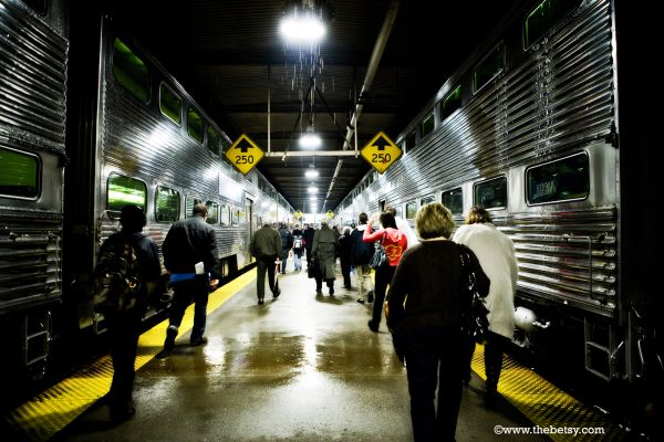 train, chicago, union-station, platform, people,