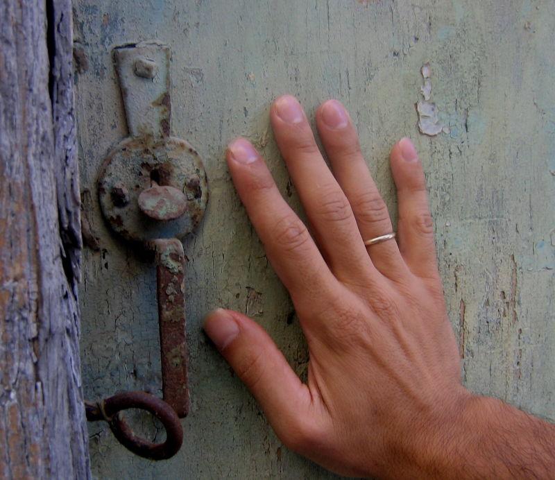 dad hand old door