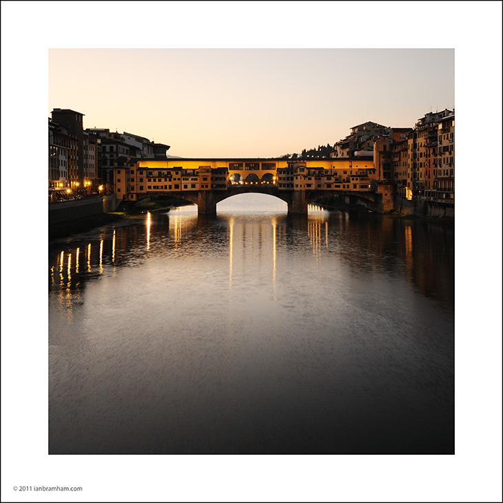 sunrise at the Ponte Vecchio in Florence