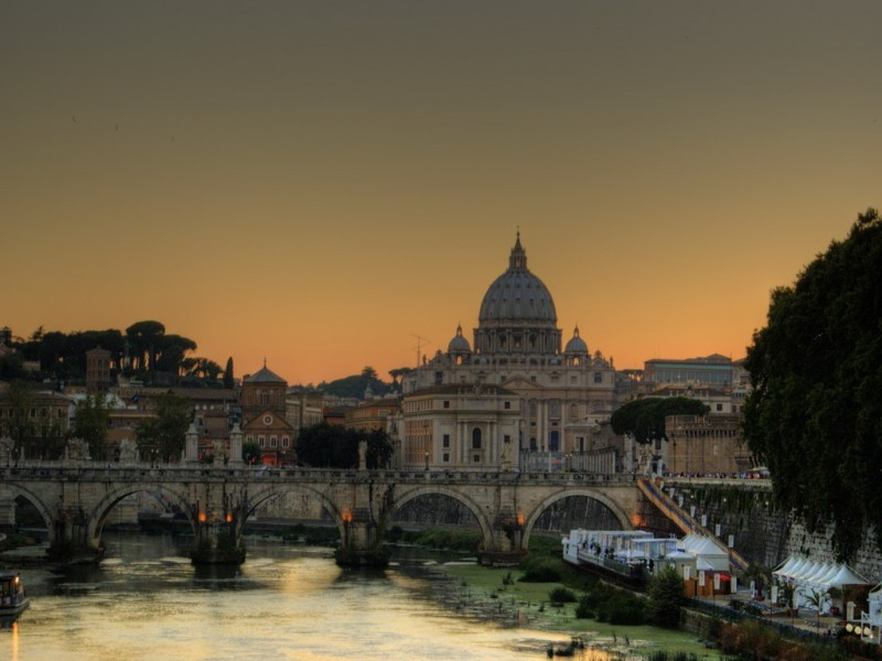San Pietro di Roma from The Bridge