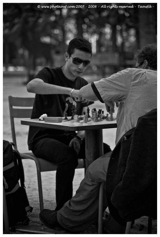 "Chess Players in Paris 's ""Jardin du luxembourg"""