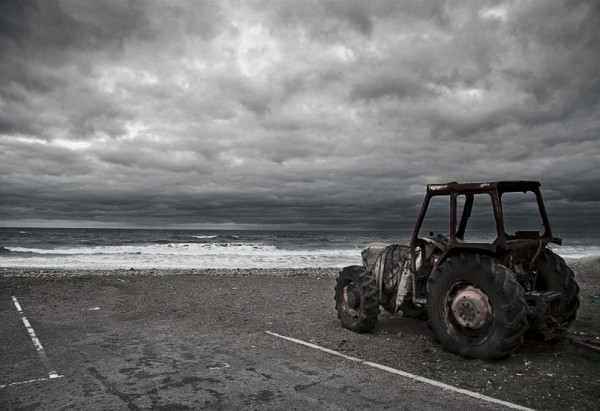 tractor, sea, saltburn, stormy