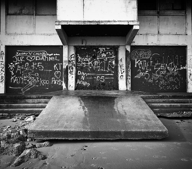 nightclub redcar beach leos graffiti