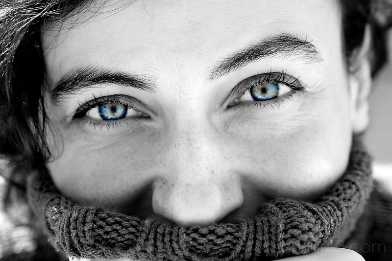 canon 10-D  canon 28-105 Amaia blue eyes