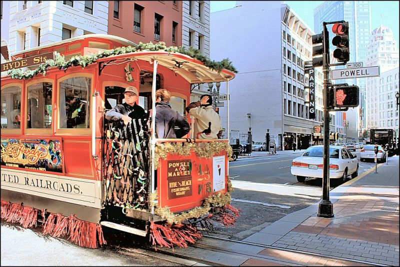 Trolley on Powell street.