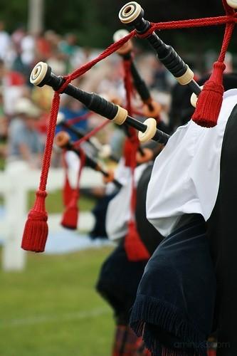 bagpipes at the fair