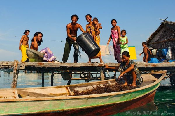 Semporna, Malaysia, house, boat, people, family, b