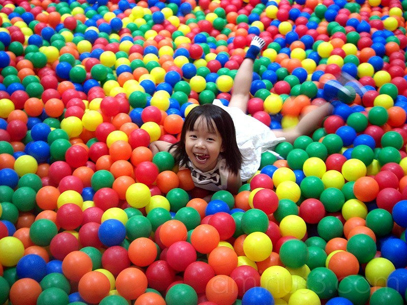 In a whirlpool of balls