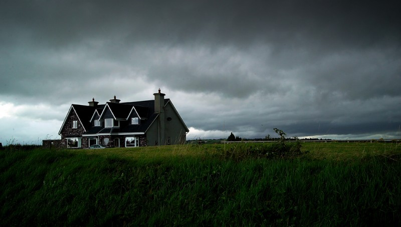 ireland, andrea, auf dem brinke, house, horror