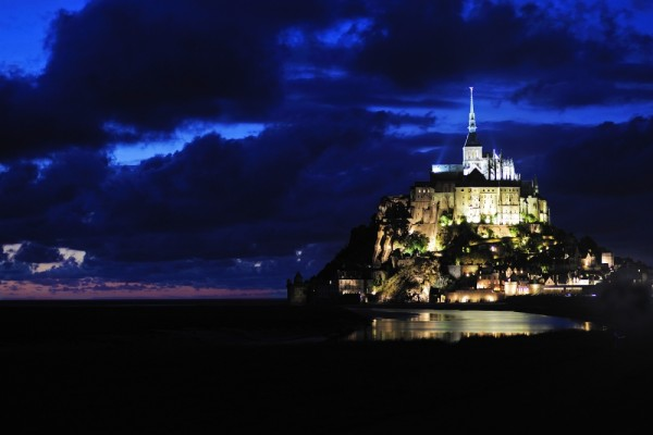 Le Mt. St. Michelle by night