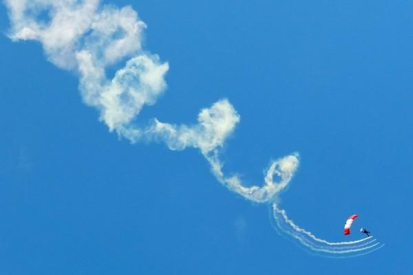 1 Parachutist