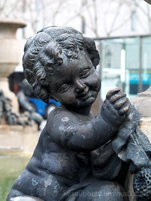 barcelona, sculpture, plaza de Catalunya