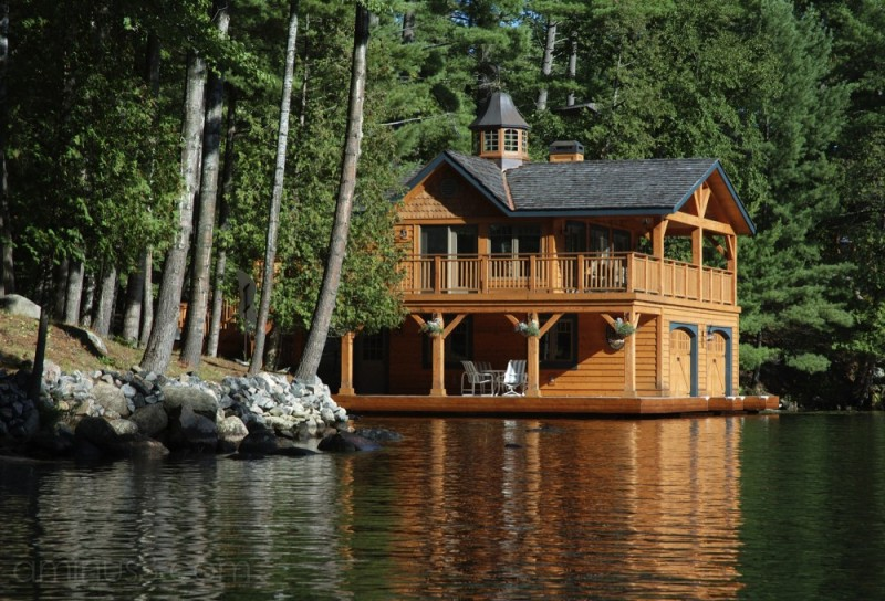Places - Muskoka Lakes Boathouse