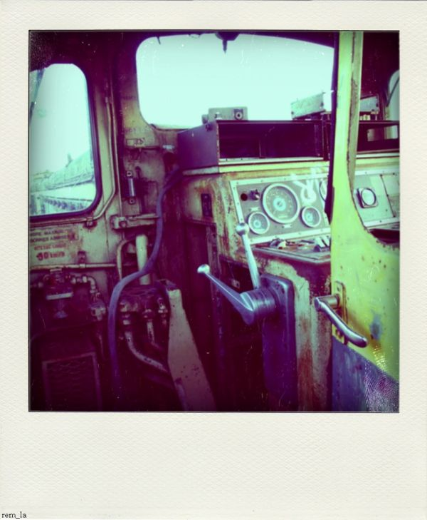 poladroid,train