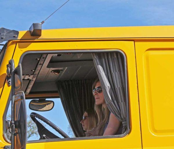 locomotion,camion,portrait,vehicule
