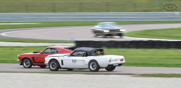 mustang,voiture,rassemblement,circuit