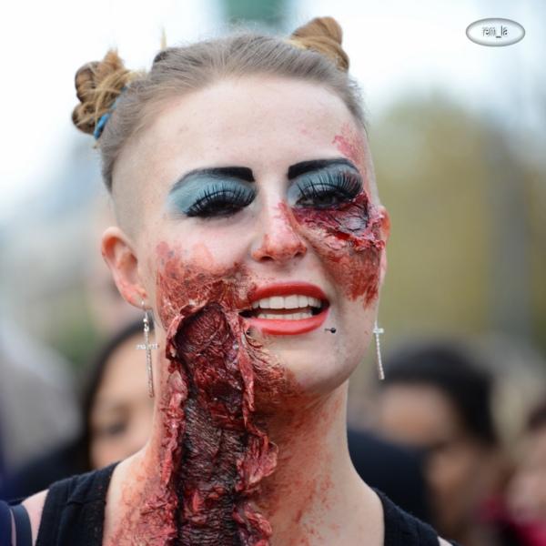 zombie,walk,paris,portrait