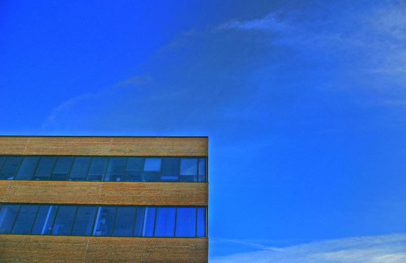 1/4 building  3/4 sky