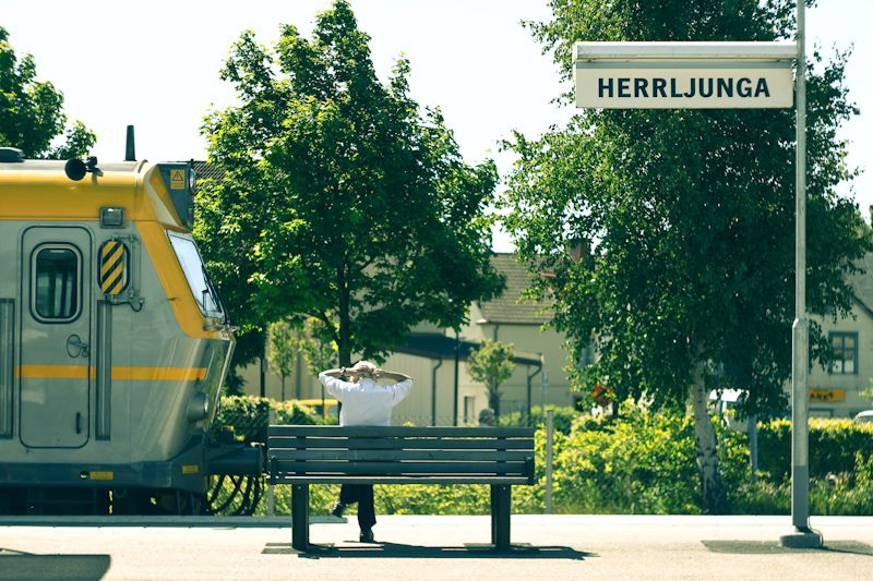 Herrljunga station, the conductor