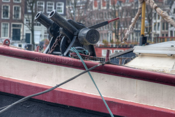 Canon anchor mechanism on the Amstel
