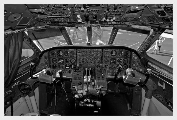 Y a-t-il un pilote ........... ?