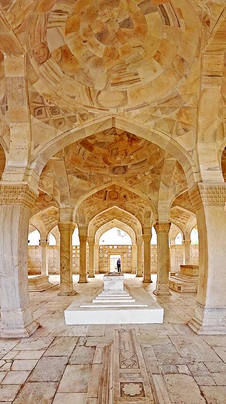 mughal graveyard