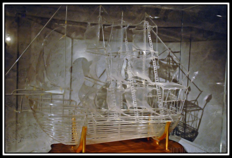 Sailing ship made of glass, Hakone Glass Museum