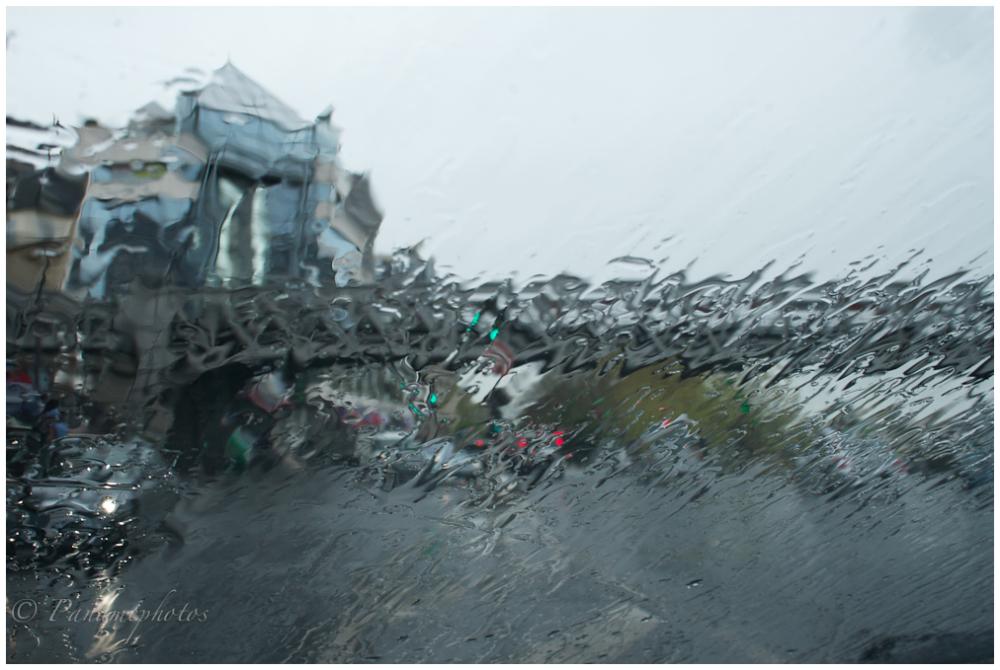 Bir Hakeim sous la pluie