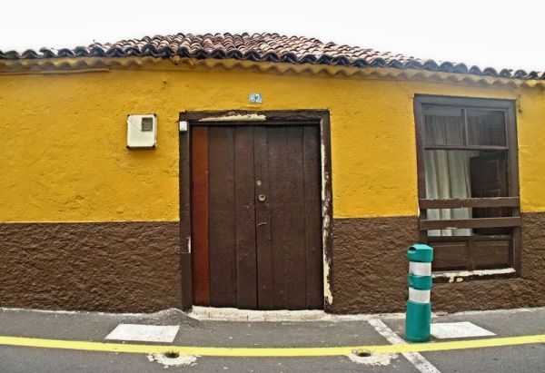 tenerife yellow home maison jaune