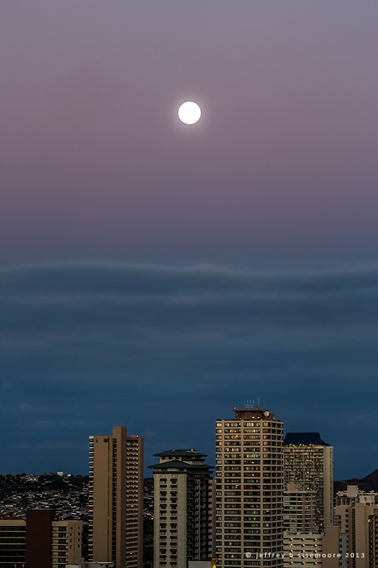 moon over honolulu