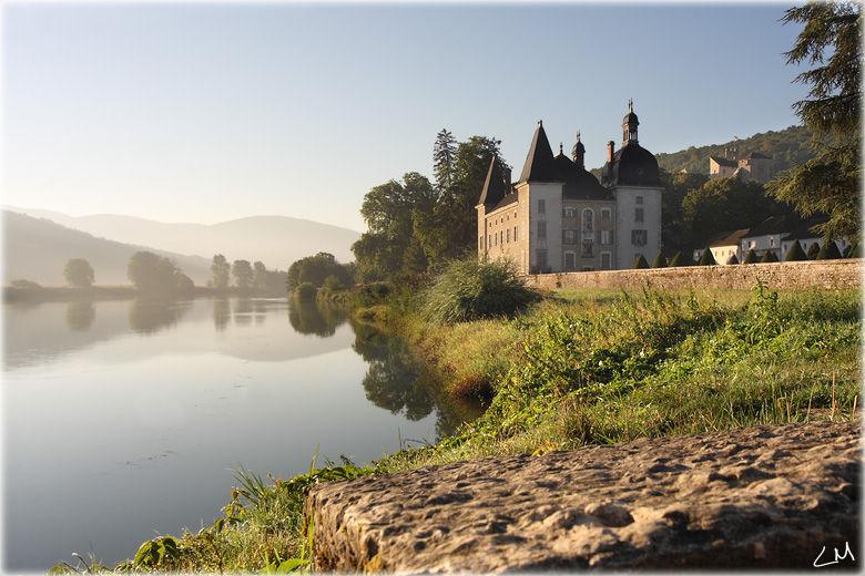 Le chateau de Vertrieu sur l'isle Crémieu