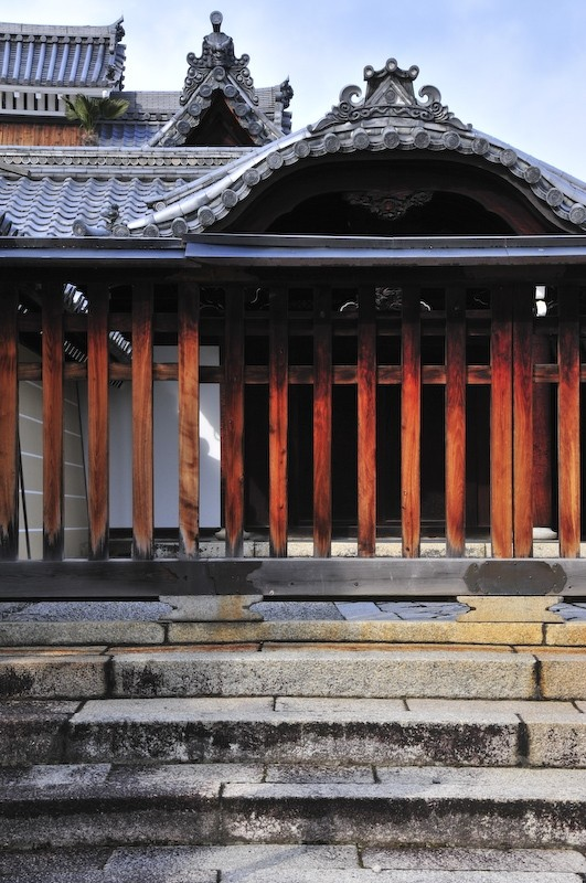 Stone, Tile, Wood: Myoshinji Temple (妙心寺)