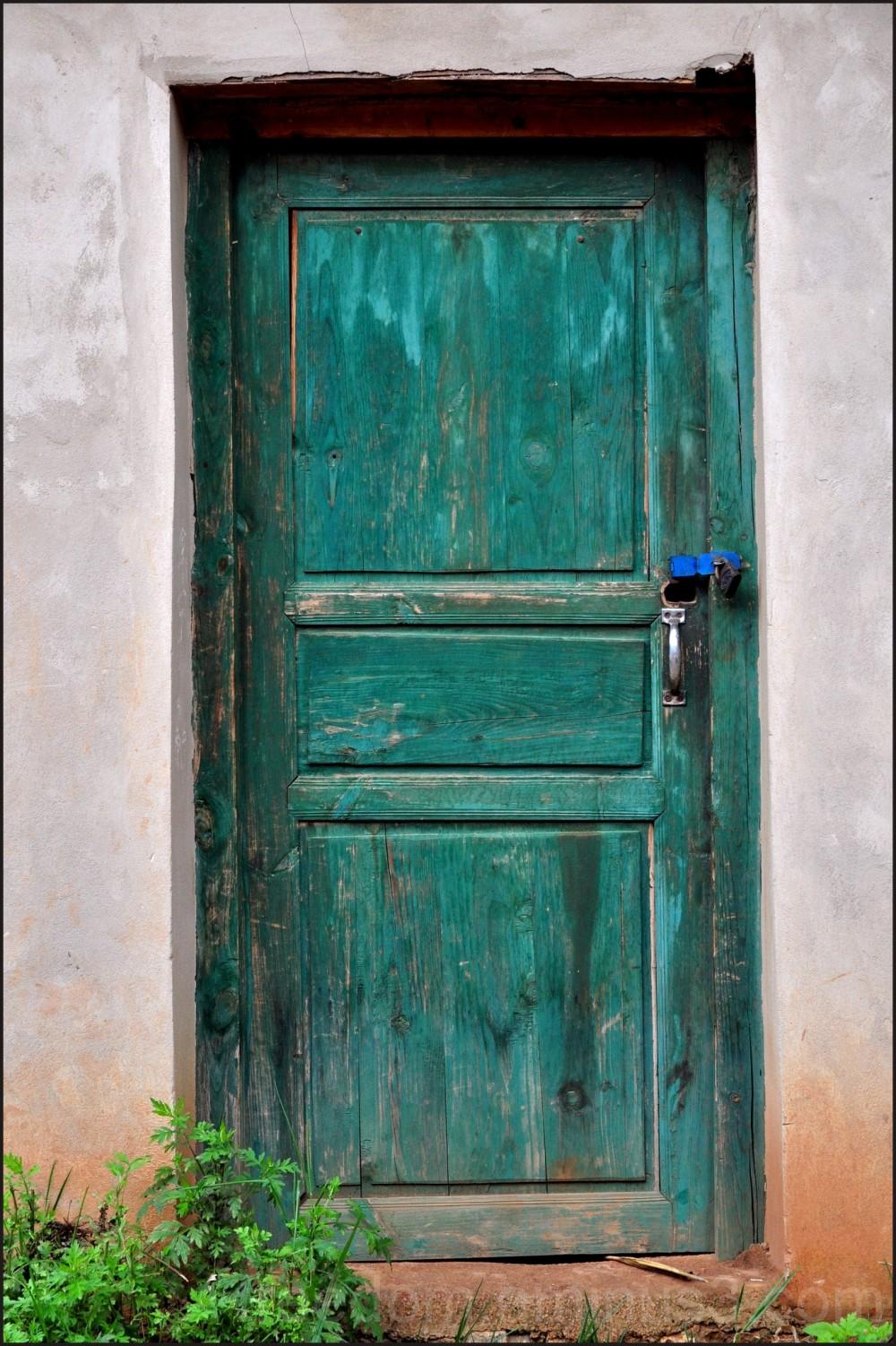 Door (2/5)