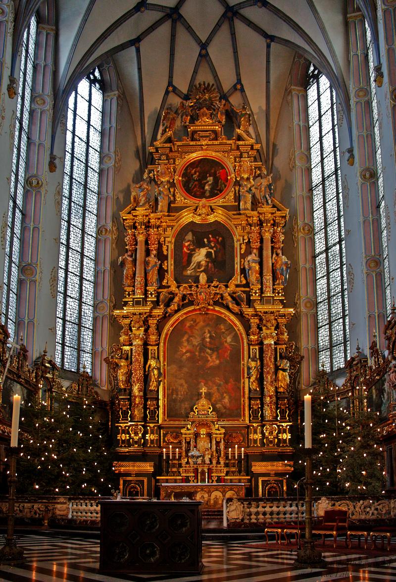 St. Mariä Himmelfahrt: High Altar